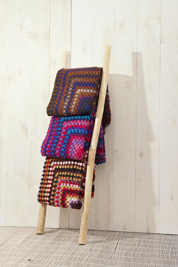 Gehaakte dekens van Fahrenheit in verschillende kleuren