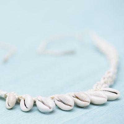 Haakpatroon Halsbandje Met Schelpjes Haken In Ibiza Style