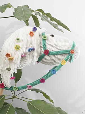 Durableposter, stokpaardje, flower power, happy colours, lenteposter,kleurig, gehaakt, haken