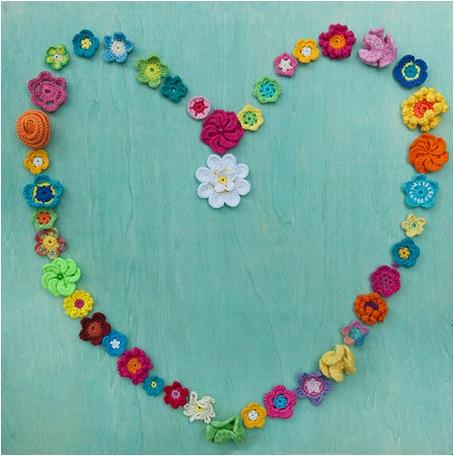 Meetthemaker day 31, hart, bloemen, gehaakt, gekleurd, roosjes, madelief, margriet